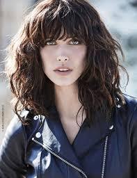 quelle coupe pour cheveux ã pais les 25 meilleures idées de la catégorie cheveux épais ondulé sur