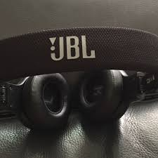 almost new jbl e35 on ear black minimalist headphone services