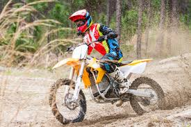 pictures of motocross bikes this motorcycle sold me on electric dirt bikes gizmodo australia