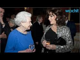 dame joan collins dishes on in the royals at 2015 sag