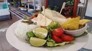 riz cuisiné fajitas guacamole riz cuisiné et salade verte photo de g