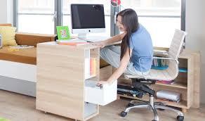 bureau enfant moderne destockage bureau enfant et ado en bois sur roulettes evolve