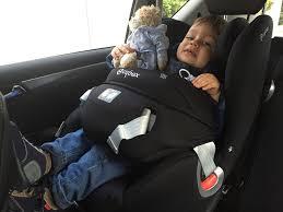 siege auto avec bouclier j ai enfin mis le siège bébé à la route poulette