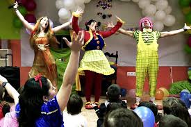 clown entertainer for children s kids party entertainer 3 children s entertainers nightmares and how to avoid them add ct info