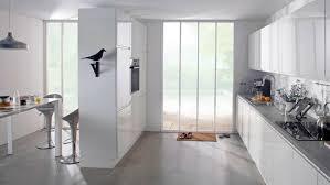 s駱arer la cuisine du salon separer une cuisine ouverte modele cuisine americaine avec salon