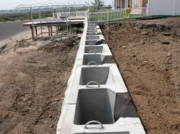 Pictures Of Retaining Wall Ideas by Concrete Retaining Wall Concrete Retaining Wall Ideas Pictures