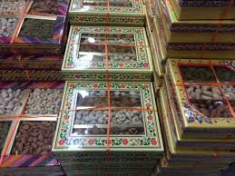 where can i buy a gift box diwali gift box with assorted fruits buy diwali gifts in usa