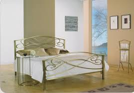 fer forgé chambre coucher toujours trés actuel chambre à coucher en laiton dore fer forgé