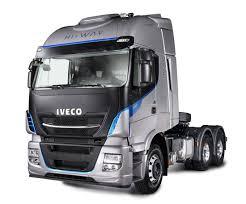 iveco lança caminhões hi way e daily especiais na fenatran 2017