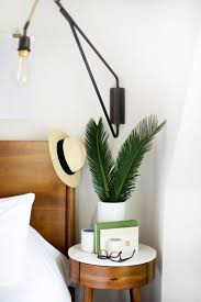 Decorate A Small Bedroom by Best 25 Small Nightstand Ideas On Pinterest Nightstands