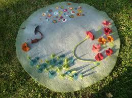 tapis boule feutre tapis pompon bebe tapis de boules de laine soldes 25 sukhi fr
