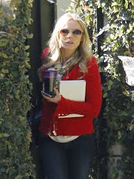 kristen bell leaves her house zimbio