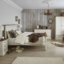 Plain Bedroom Designs Country Style Design With Floral Details For - Country bedroom designs