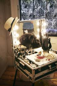 Cute Vanitys Diy Vanity Looks Like I Could Use A Suitcase For This Too Make