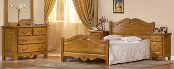 chambre en bois chambre classique en merisier grenadine meubles bois massif