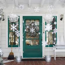 Handrail Christmas Decorations 10 Christmas Decorating Ideas For Your Front Porch Freshome Com