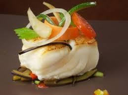 cuisiner dos de cabillaud poele dos de cabillaud rôti poêlée de légumes aux aromates gourmets de