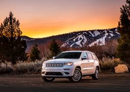 jeep summit black jeep officially unveils grand cherokee trailhawk and summit models