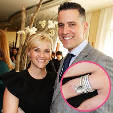 reese witherspoon engagement ring reese witherspoon s wedding ring see stunning from