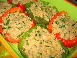 cuisiner le poivron vert poivrons farcis au thon et à l ail la cuisine de