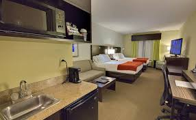 2 Bedroom Suites In Tampa Florida Tampa Hotel Tampa Fl Hotels Holiday Inn Express Hotel U0026 Suites