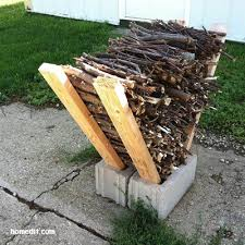 Building Outdoor Fireplace With Cinder Blocks by 25 Cinder Block Projects For The Homestead Homesteads Yards