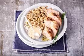 cuisiner du quinoa recette duo de quinoa blé lentilles filet mignon de porc à la