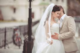 Hire A Wedding Dress Have A Stress Free Wedding And Hire A Wedding Planner Cross And Main