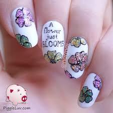 piggieluv u0027a flower just blooms u0027 glitter nail art