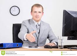 affaires de bureau homme d affaires offrant une de accueil dans le bureau photo