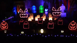 spirit halloween mobile al lor halloween light show 2016 no one lives forever youtube