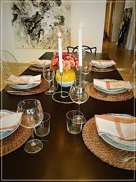 Informal Table Setting by Blog Downtown Chic Moms