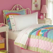 rainbow quilt in bright pink rainbow colors for twin and full