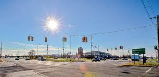traffic light mt clemens city braces for van repairs