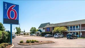 Six Flags Hours Chicago Motel 6 Chicago Elk Grove Hotel In Elk Grove Village Il 45