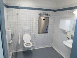badezimmer behindertengerecht umbauen wc und bad behindertengerecht planen www selber bauen de
