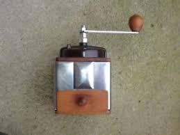 peugeot cuisine ancien moulin a cafe bois inox peugeot freres outil ustensile de
