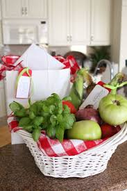Apple Decorations For Kitchen by 550 Best Gift Baskets Containers Images On Pinterest Gift Ideas