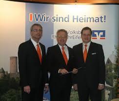 Volksbank Bad Neuenahr Volksbank Rheinahreifel Knackt Die Zwei Milliarden Euro Marke