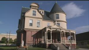 Cost To Build A House In Nh by Historic Mansion On Sale For Shockingly Low Price