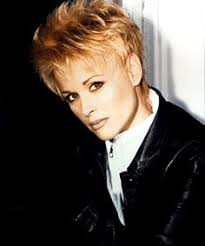 the lovely lorrie morgan i think the short hair style rocks on her
