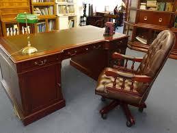 Aufklappbare Schreibtische Schreibtisch Partnerdesk Studio Globe Wernicke Mahagoni Grüne