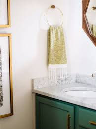 vintage bathroom decor with bold colors and geometric shapes