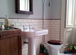 Old Fashioned Bathroom Pictures by Mirror The Kinds Of Vintage Bathroom Mirrors Thementra Inside
