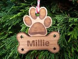 personalised tree decorations name engraved wooden