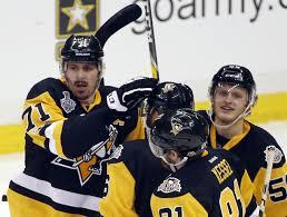 guentzel u0027s goal lifts penguins by predators 5 3 in game 1 kdow