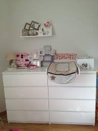 grande commode chambre commode malm et plan a langer chambre de bébé forum grossesse