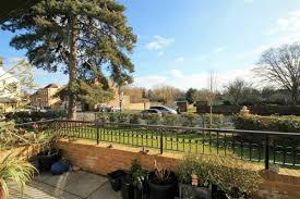 Walled Garden Sunbury by Flat For Sale In Lendy Place Sunbury On Thames Tw16 Dexters