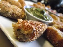 ma cuisine sans gluten croquettes de courgettes aux flocons de quinoa sauce verte épicée