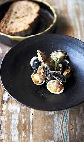 cuisiner les coques cuisine cuisiner des coques awesome coques et céleri l encre de